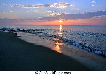 Dramatic Sunrise Skies Over the Sea
