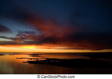 Dramatic Sunset on Ocean - Beautiful coastal Landsacpe on...