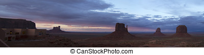 Dramatic sunset over the vista of Monument Valley