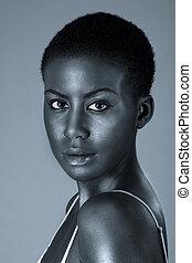dramatisch, porträt, von, junger, afrikanische amerikanische frau