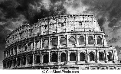 dramatische hemel, colosseum, rome