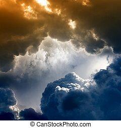 dramatyczny, ciemne niebo