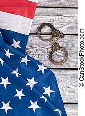 drapeau américain, et, menottes, sommet, vue.
