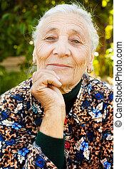 draußen, porträt, von, eins, elegant, ältere frau