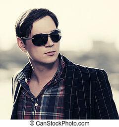 draußen, sonnenbrille, junger, mode, hübsch, mann