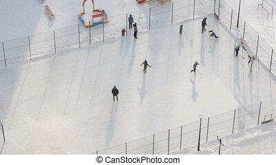 draußen, spielen von hockey, kinder