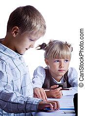 drawing schoolchildren