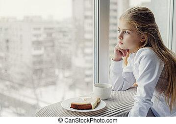 dreamful, capretto, tè bevente, con, torta, dentro