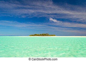 The gorgeous turquoise sea of Aitutaki lagoon and scenic desert islands. Cook Islands, South Pacific Ocean. Dreamlike travel destination.