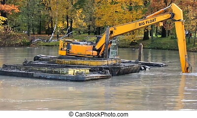 Dredging machine: deepening the river bottom