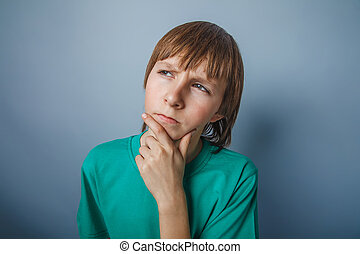 dreng, adolescent, europæisk, tilsynekomst, brunt hår, ind, en, skjorte, på, en, gråne