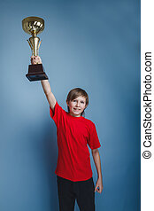 dreng, adolescent, europæisk, tilsynekomst, ind, en, rød skjorte, holde kop, på
