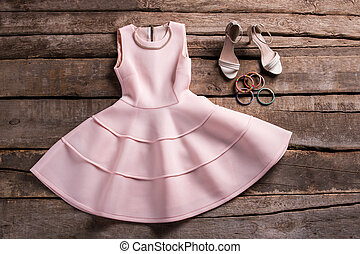 Dress with shoes and necklace.