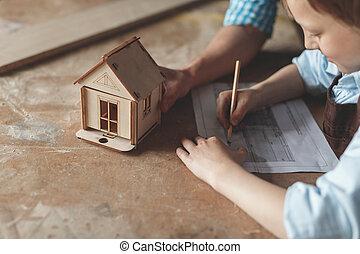 drewniany, chłopiec, mały, dom