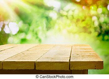 drewniany stół, bokeh, ogród, opróżniać
