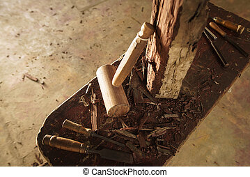 drewno, rzeźbiarz, dłuto, młot, i, praca, narzędzia, w, warsztat