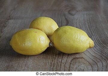 drie, citroenen