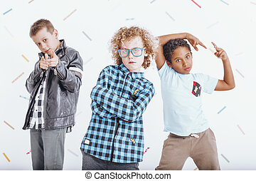 drie, jongens, in, speels, humeur