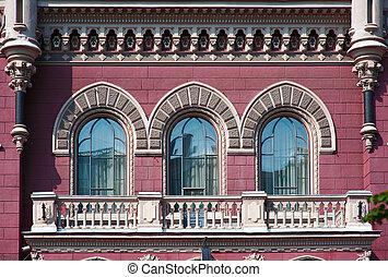 drie, mooi, ouderwetse , venster, in, historisch gebouw