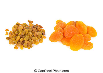 dried apricots and raisins