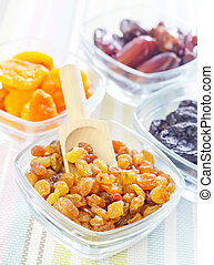 dried apricots, raisins and dates