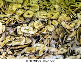 Dried bananas are banana fruits.