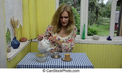 dried camomile tea