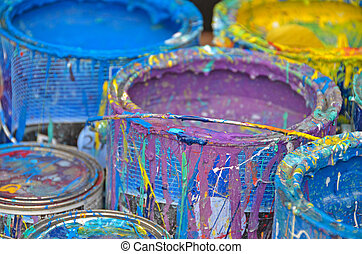 paint cans - Dried paint on paint cans