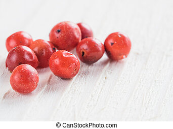 dried pink peppercorn