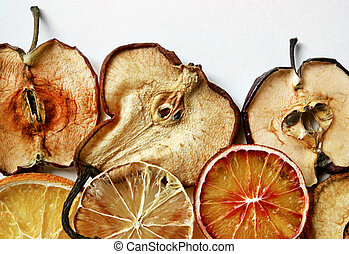 Dried slices of fruits