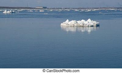 Drifting of ice.