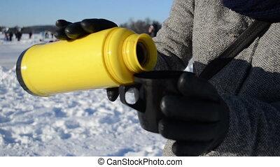 drink tea thermos winter