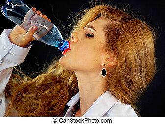 drink., vrouw zaak, dorstig, water, kostuum, bottle., drinkt, meisje