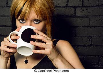 drinkende koffie