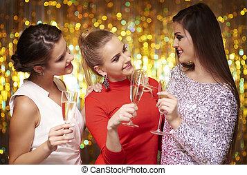 drinkt, champagne, op, oudjaarsdag