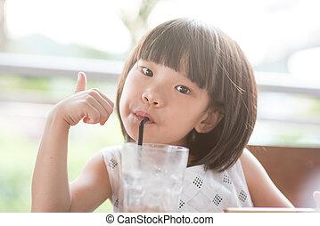 drinkt, koffiehuis, aziatisch kind