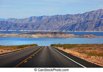 Drive to Lake Mead - Scenic drive to Lake Mead
