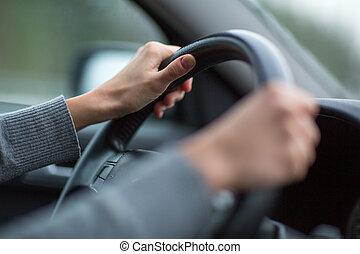 driver, mani, guidando macchina, su, uno, autostrada