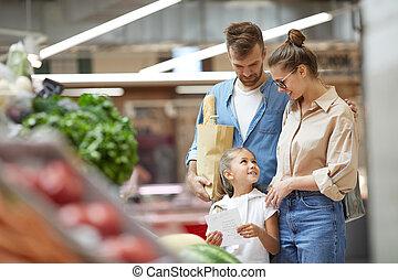 drogheria, moderno, shopping, giovane famiglia