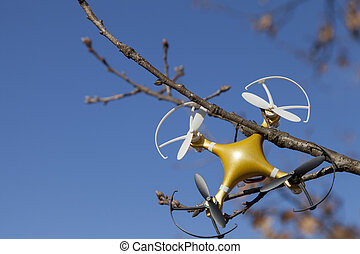 Drone quadcopter crashed on tree - Drone quadcopter accident...