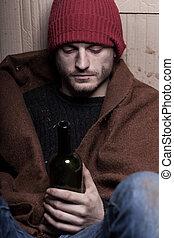 dronken, dakloos, man, met, een, fles van wijn