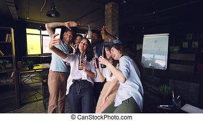 drużyna, święto, powolny, selfie, mężczyźni, razem, ...