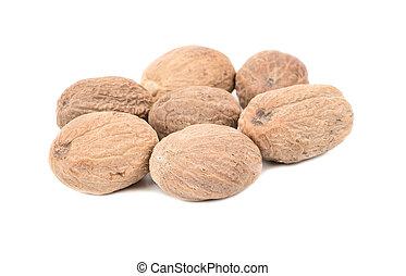 Dry nutmegs
