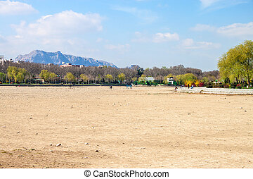 Dry river bed in Esfahan