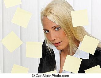 dużo, kobieta, zadania, post-its