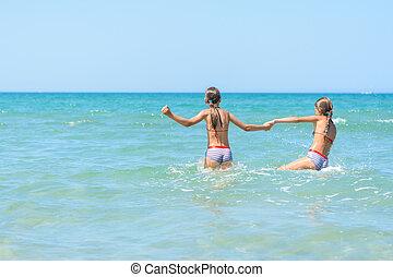 duas meninas, nade, quentes, mar, dia