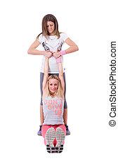 duas mulheres, fazendo, ioga, esticar
