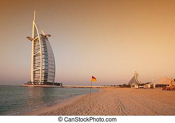 Dubai beach, UAE - View of the luxury beach of Dubai at ...