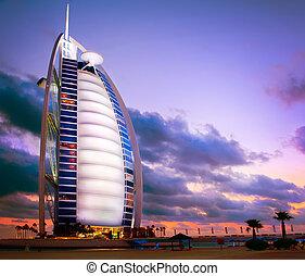 dubai, forenet. uae uae., -, november, 27:, burj al araber, hotel, på, november, 27, 2011, ind, dubai., burj al araber, er, en, luksus, 5, stjerner, hotel, bygget, på, en, kunstige, ø, uden for, jumeirah, strand., solnedgang, udsigter