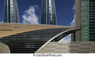 Dubai Metro, United Arab Emirates  (time lapse)